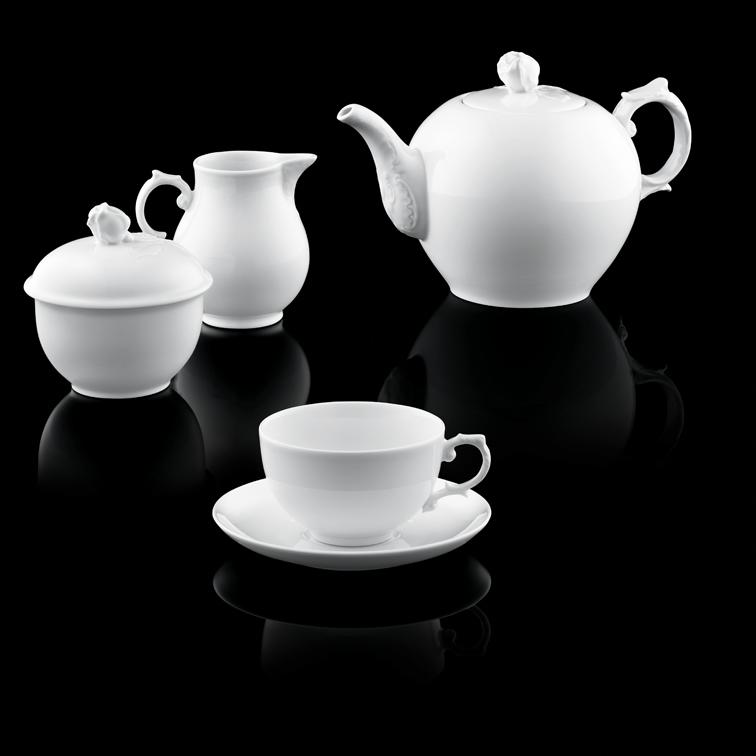 Teekanne, Zuckerdose, Gießer und Teetasse der Form ALT FÜRSTENBERG in weiß_FÜRSTENBERG Porzellan
