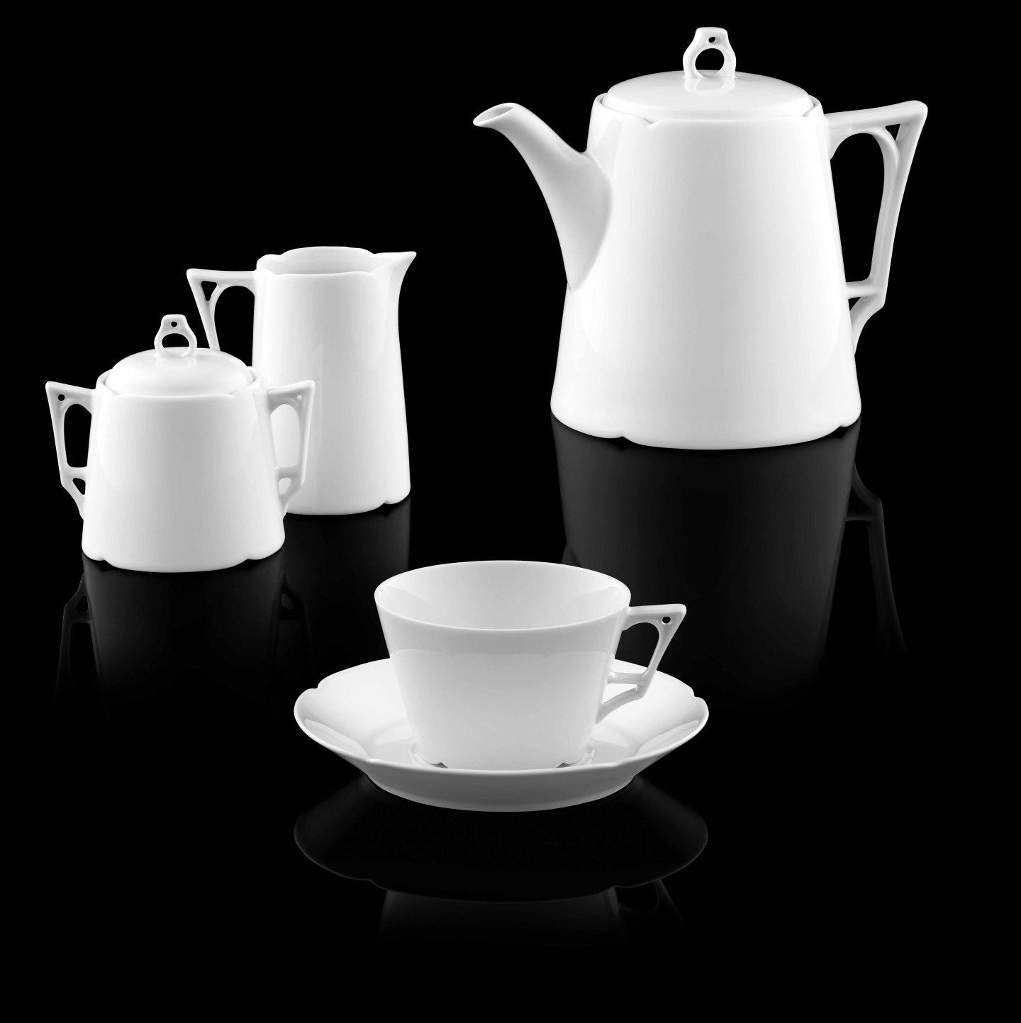 Kanne, Zuckerdose, Gießer und Tasse der Form ARIANA in weiß_FÜRSTENBERG Porzellan