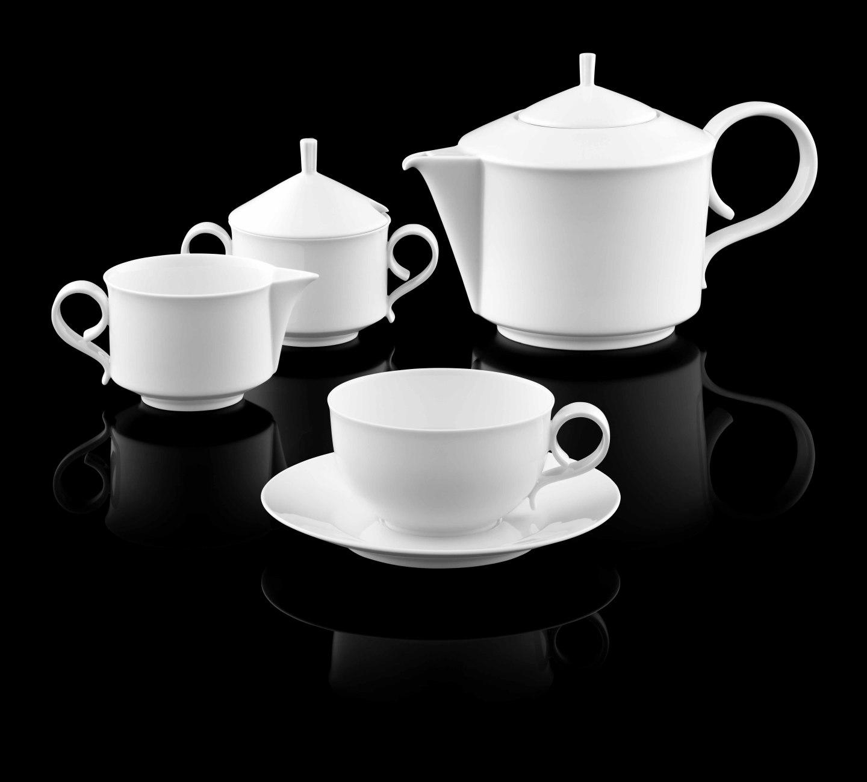 Teekanne, Zuckerdose, Gießer und Teetasse der Form CARLO in weiß_FÜRSTENBERG Porzellan