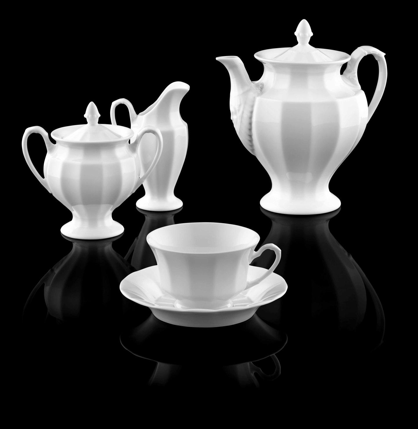 Teekanne, Zuckerdose, Gießer und Teetasse der Form GRECQUE in weiß_FÜRSTENBERG Porzellan