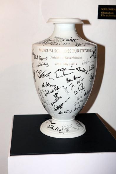 FBG_Unterschriften-Vase_Gästebuch